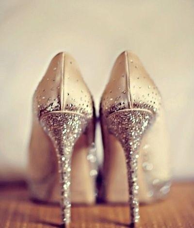 Sfaturi pentru miresele care vor să poarte tocuri în ziua nunții