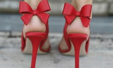 Porti balerini sau pantofi stiletto?