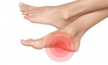 Nu le trata cu indiferenta! 6 obiceiuri care fac rău picioarelor