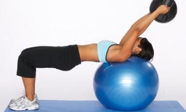 Aveţi grijă de coloana dumneavoastră cu aceste 7 exerciţii simple!