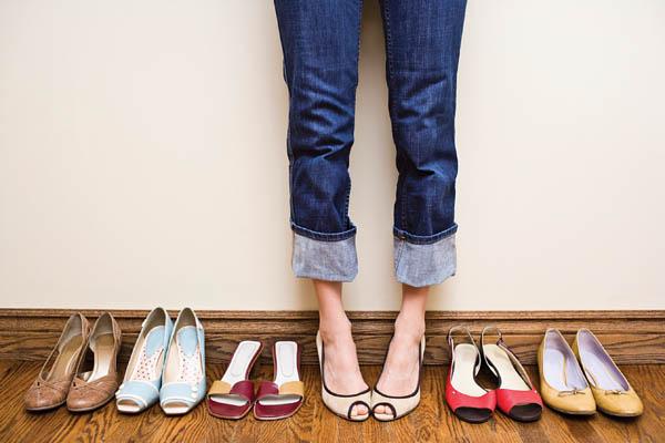 Dureri picioare? Ce spun pantofii despre personalitatea şi relaţiile dumneavoastră?