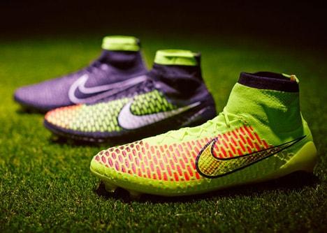 picioarelor fotbalistilor