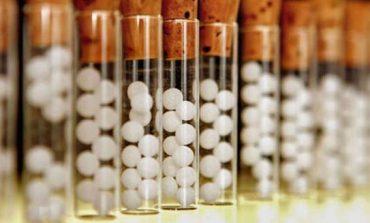 Tratamente naturiste. Homeopatia – cum acţionează şi ce afecţiuni tratează