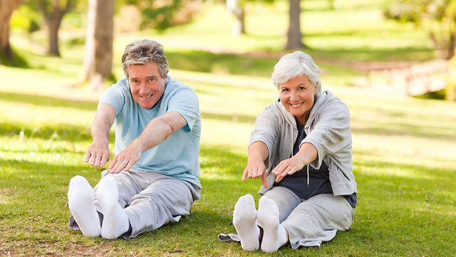 old-people-doing-stretches