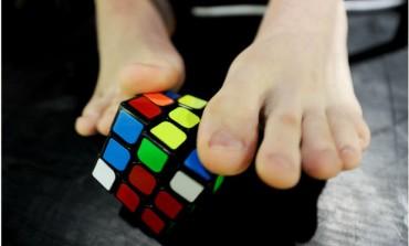 Campionatul Mondial al cubului Rubic prezintă puzzle-ul sănătătii!