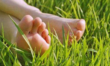 Cum să eviţi durerile de picioare? Iată cele mai utile 3 sfaturi pentru a preveni apariţia acestora...
