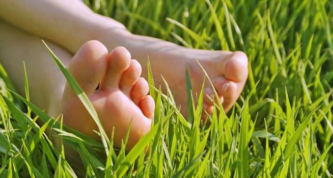 Cum să eviţi durerile de picioare? Iată cele mai utile 3 sfaturi pentru a preveni apariţia acestora…
