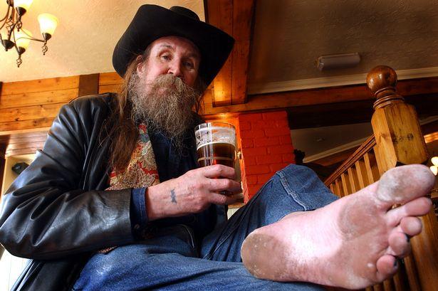 Faceţi cunoştiinţă cu Pete – omul care nu a mai purtat pantofi de peste 50 de ani