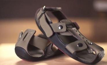 Pantofii care cresc: un bărbat a inventat sandalele care se măresc cu până la 5 măsuri